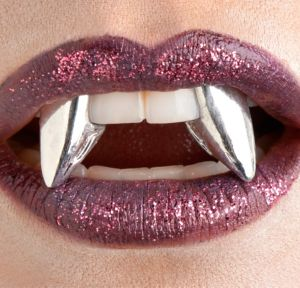 Glitter Blood Fangs