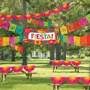Fiesta Indoor/Outdoor Decorating Kit 4pc