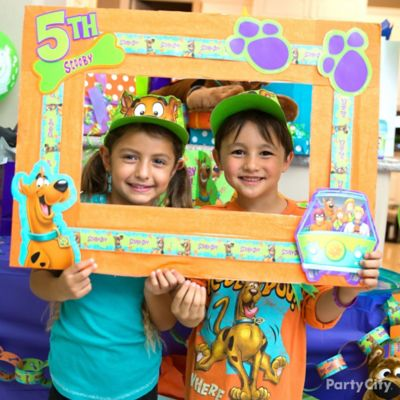 Scooby-Doo Photo Op Frame DIY