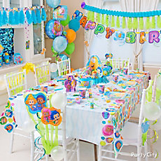 Bubble Guppies Party Table Idea