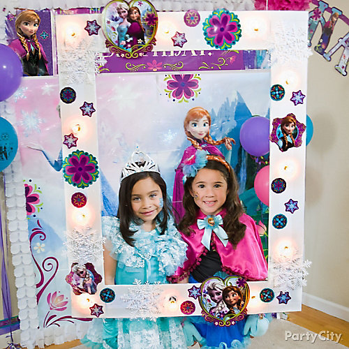 Frozen Photo Booth DIY Party City