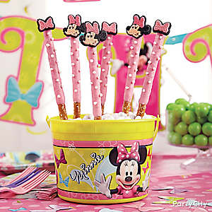 Minnie Mouse Pretzel Pops How To