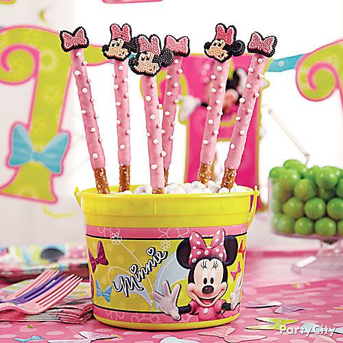 Minnie Mouse Pretzel Pops How To