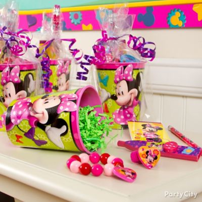 Minnie Mouse Favor Cup Idea