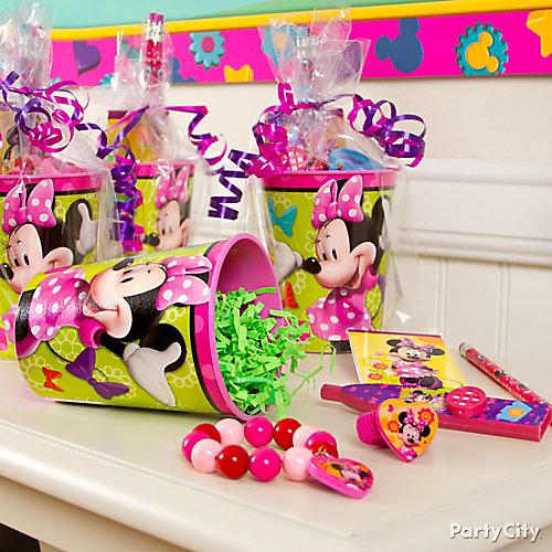 Minnie Mouse Favor Cup Idea