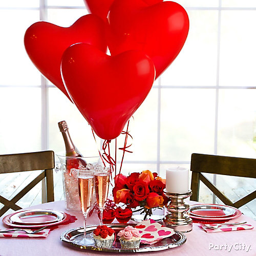 Valentines day balloon centerpiece idea