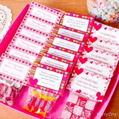 Valentine's Day Classroom Candy Favors Idea