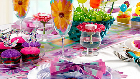 Bright & Colorful Easter Tablescape Ideas