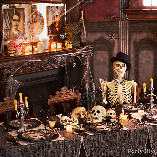 Haunted House Gauzy Dinner Table Idea