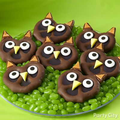 Friendly Candy Owl Pretzel Twists How To