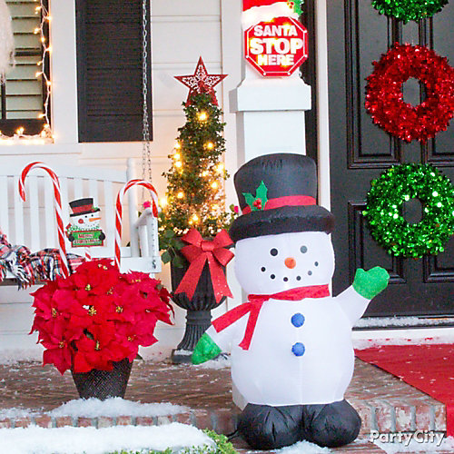Friendly Christmas Porch Decorating Idea
