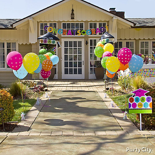 Graduation balloon party entrance idea colorful for Balloon decoration ideas for graduation