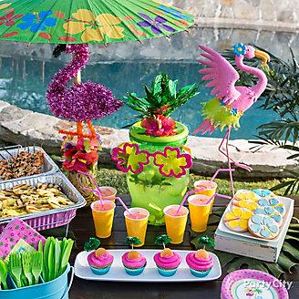 Flamingo Buffet Table Idea