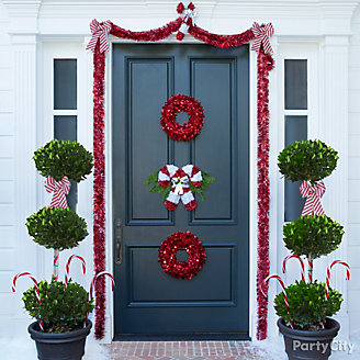 Candy Cane Theme Entrance Idea
