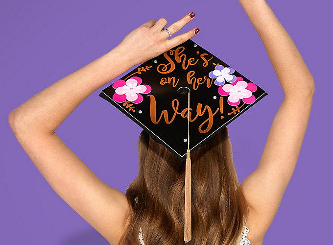 14 DIY Graduation Cap Decorating Ideas