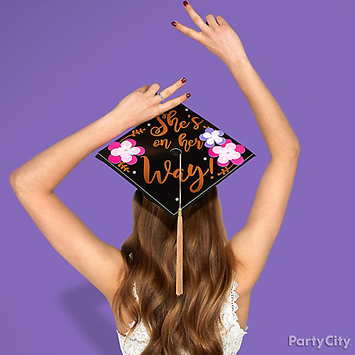 Graduation Cap Photo Prop Idea