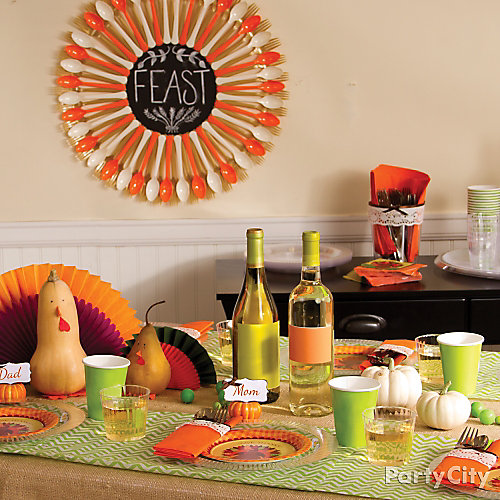 Trendy Thanksgiving Table Decorating Idea