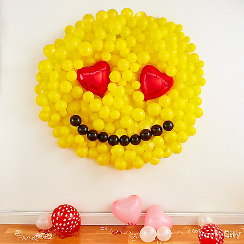 Smiley Balloon Wall Idea - Party City | Party City