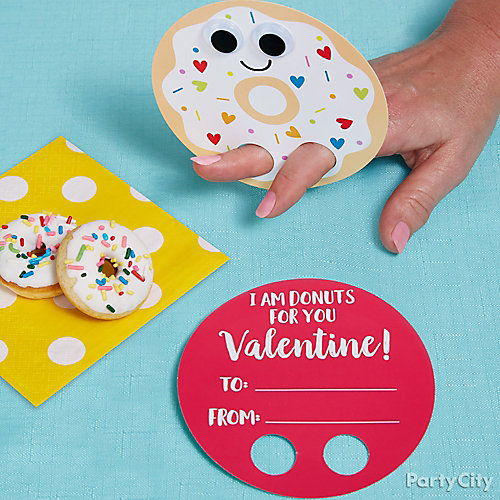 Smiley Valentine's Donut Favor Idea
